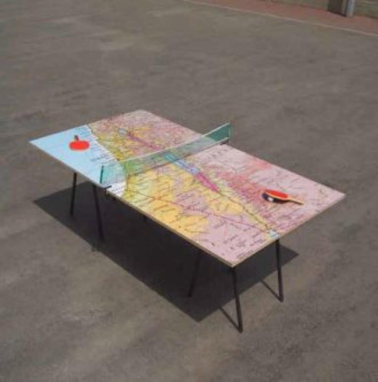 בלו סימיון פיינרו, שולחן פינג-פונג, 2005, טכניקה מעורבת
