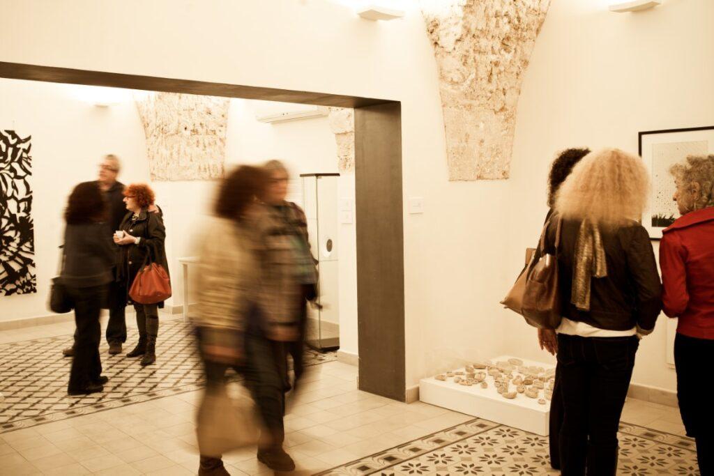 תערוכת שחור ולבן בגלריה שכטר. צילום: נטע אלונים