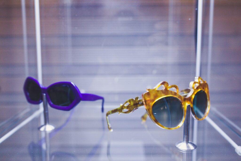 משקפי שמש, שנות ה-60 המאה העשרים בקירוב, אוסף מוזיאון אופטיקנה למשקפיים, אופטיקה ותרבות חזותית